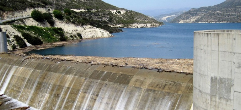 Kouris and Evretou dams overflow