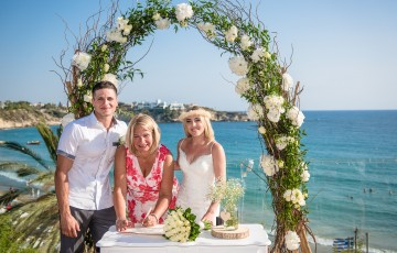 Thomas & Danielle's Beachfront Wedding at Villa 391860 in Coral Bay