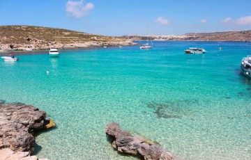 Enjoy The Clear Waters Of Blue Lagoon By Boat Hire