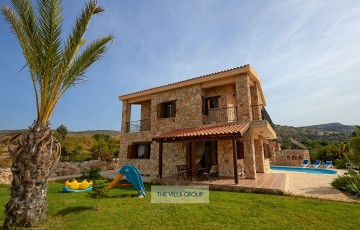 Private holiday villa in Peristerona, Paphos