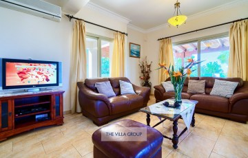 The villa offers, wireless internet, TV, DVD player and a CD player for your entertainment