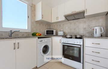 Kitchen featuring granite worktops