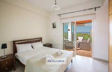 Double bedroom with access to furnished balcony