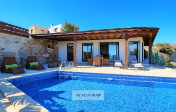 2 bedroom villa in Peyia closely located to the popular family resort of Coral Bay