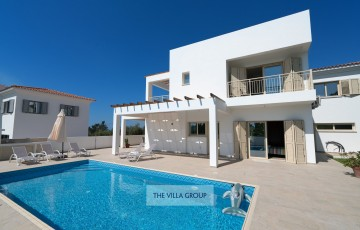 Located in a quiet area of Kissonerga within a short distance from local amenities